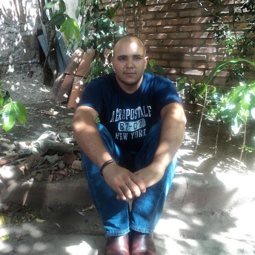 Hector Alvarenga Photo 12