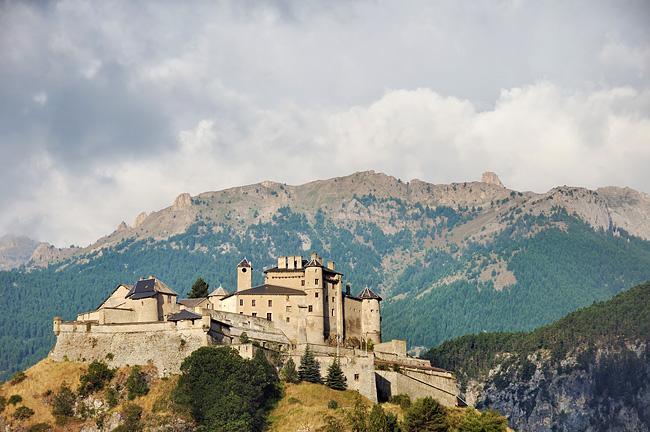 Traversée des Alpes, du lac Léman à la Méditerranée Gr5-briancon-mediterranee-chateau-queyras-2