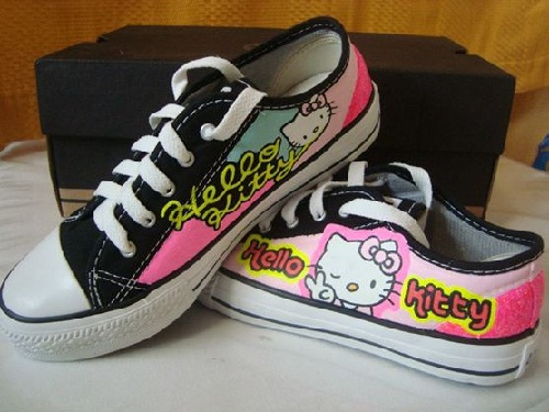 Customização de tênis All Star - Hello Kitty