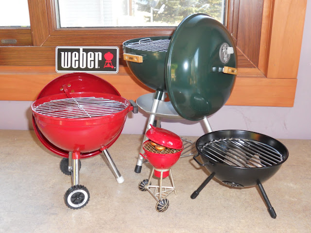 weber red mini grill. Black Bedroom Furniture Sets. Home Design Ideas