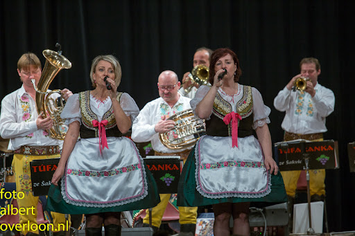 Blaaskapel Freunde Echo met Tufaranka Overloon 19-04-2014 (42).jpg