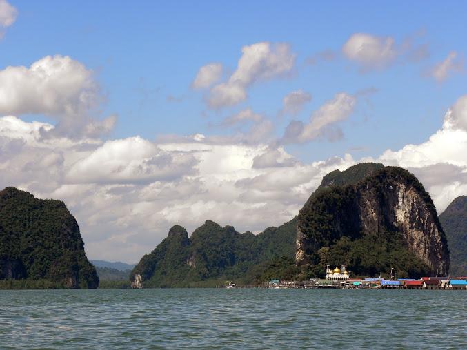 https://lh4.googleusercontent.com/-ZhW1lP5BKDI/Up0IXUrHqhI/AAAAAAAAENU/BUrbVoINBzI/w677-h508-no/Tajlandia+2013+611.JPG