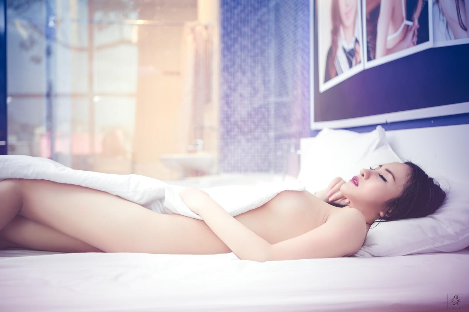 anh-nude-hot-girl-05.jpg