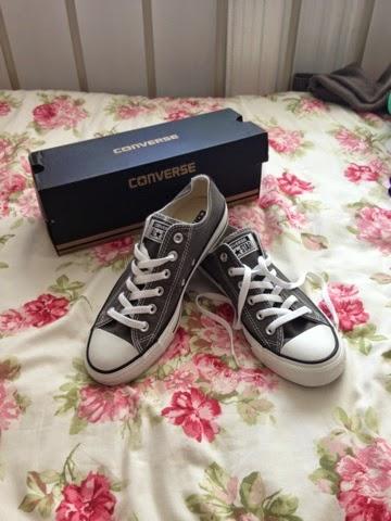 Grey converse Schuh