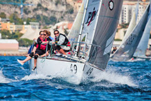 J/24 German ALICE women's team ready to set spinnaker