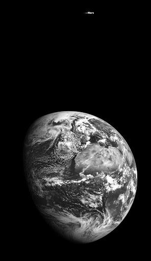 Foto Selfie Bumi dan Mars