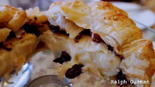 Baked Camembert - RatedRalph.com