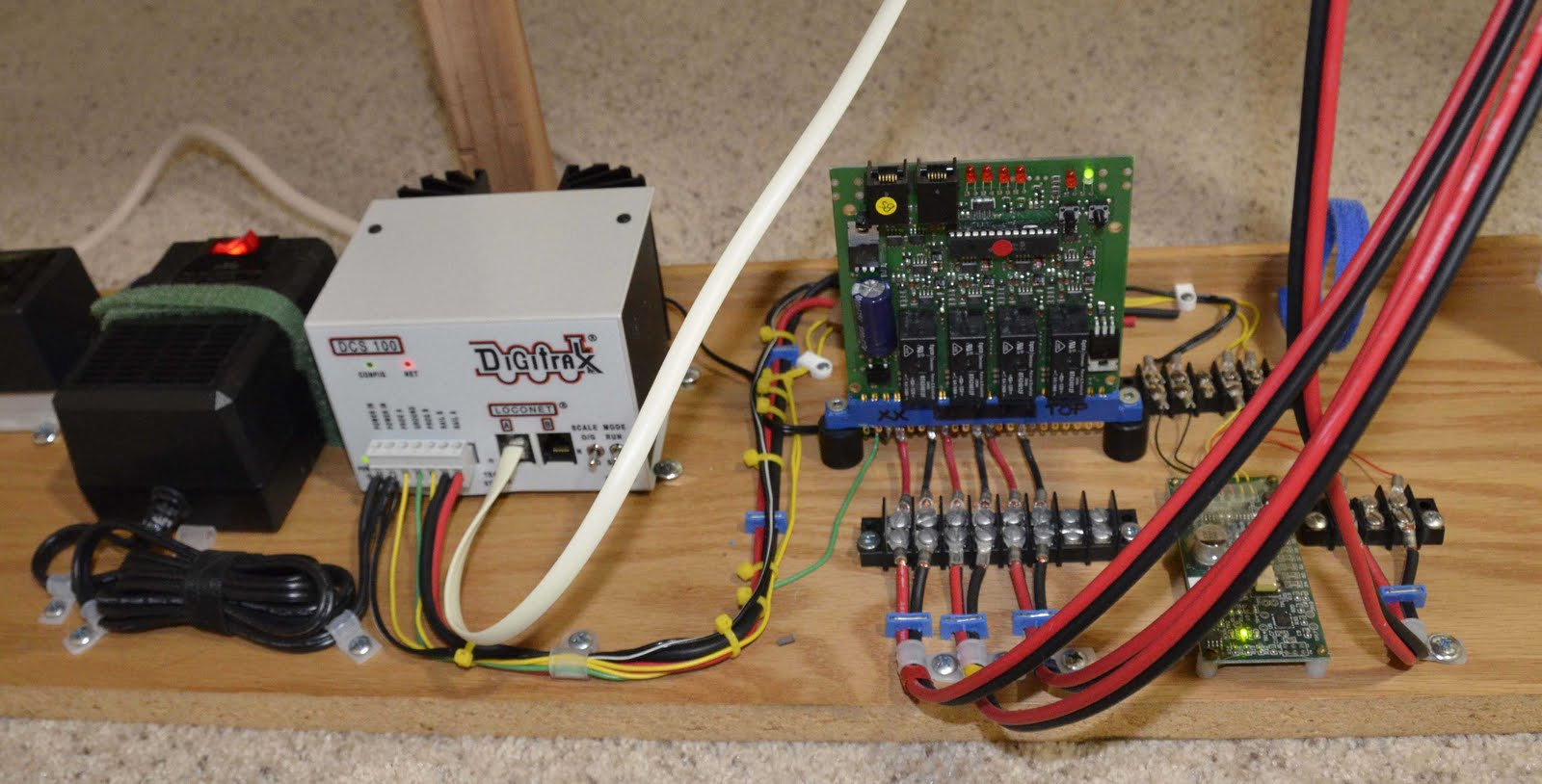 fear of the unknown aka dcc trainboard com the internet s although the wiring for this looks complex it s not i just followed the digitrax instructions and got it right the very first time