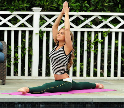 Carmen Electra Flexible Yoga Session By The Pool