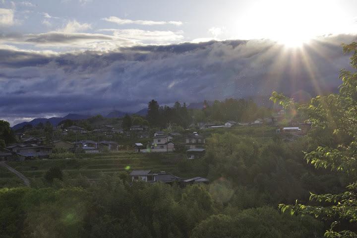 竹腰宅から臨む朝陽