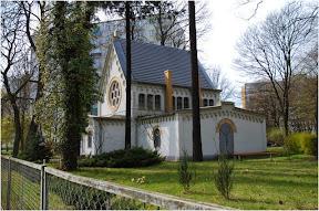 Kościół ewangelicki z r. 1887, dawniej kaplica cmentarna