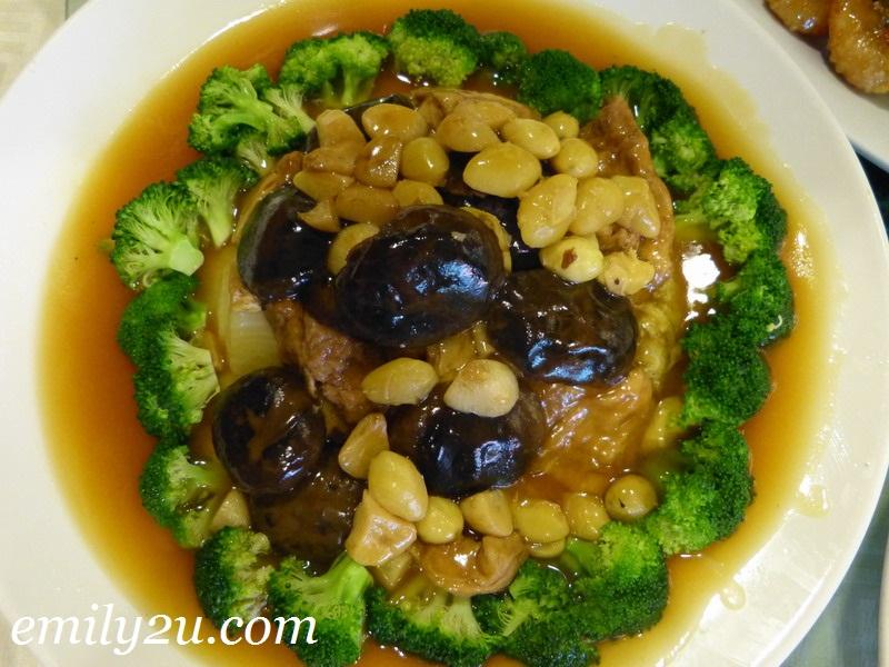 Chinese New Year reunion dinner menu