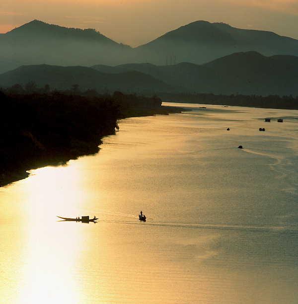 Cảnh sông Hương