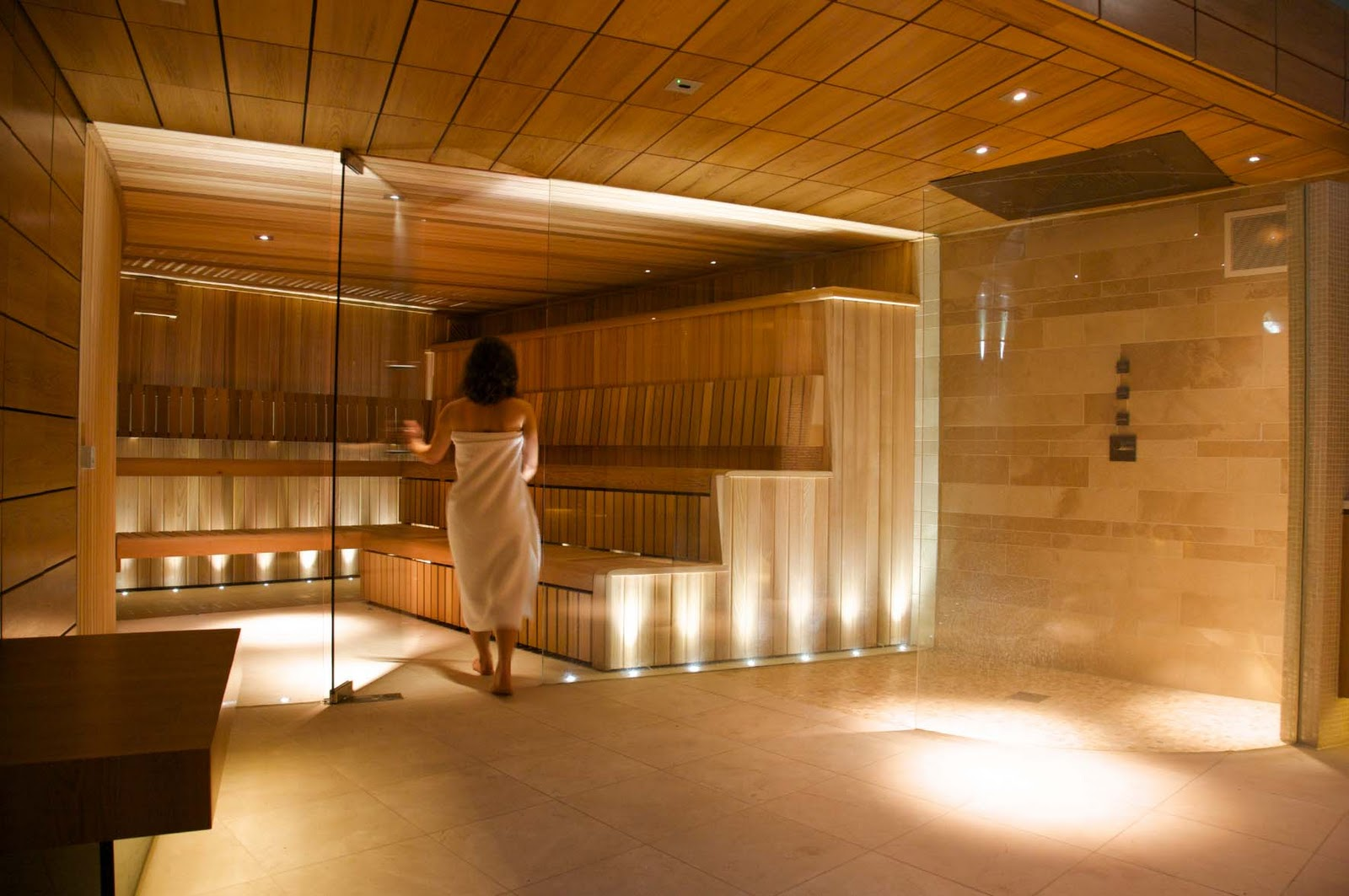 Luxury saunas steam rooms by leisurequip frameless for Sauna home