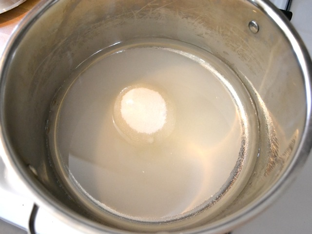 sugar water in pot