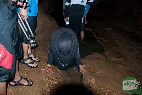 pengunjung kecelakaan saat menyusuri gua cerme, bantul