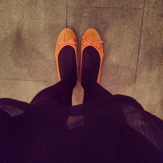 df2e146afa03 dom där orangea mockaballerinorna som jag klickade hem i våras från La  Redoute har verkligen blivit välanvända.