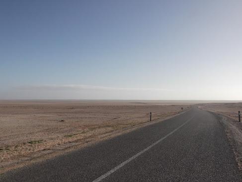 Marrocos e Mauritãnia a Queimar Pneu e Gasolina - Página 9 DSCF1040
