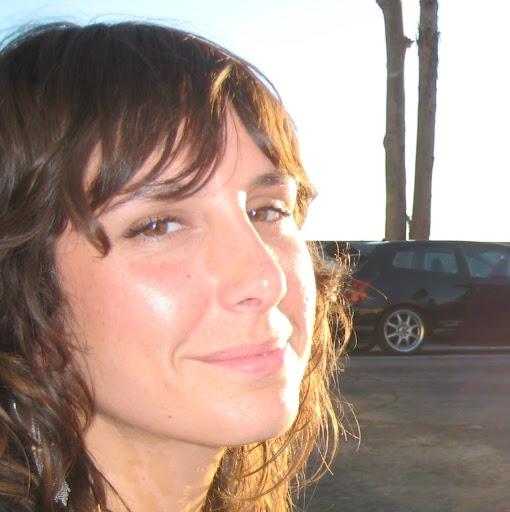 Melanie Clarke Photo 28