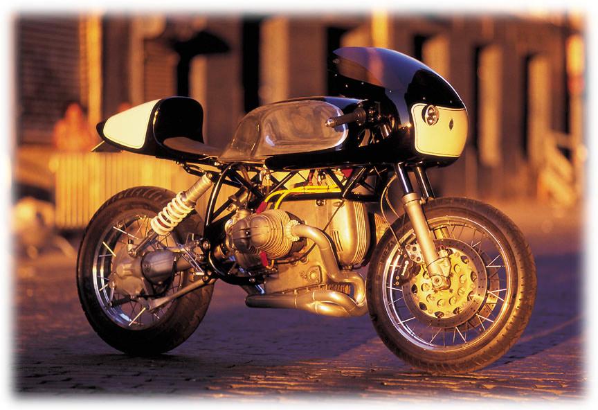 psd-moto: CB100 Cafe Racer (Red)