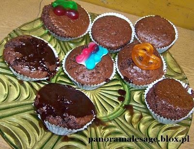 Babeczki czekoladowe w proszku Dr.Oetker pieczone z synem bardzo smaczne bardzo łatwe ciasto udaje się za każdym razem