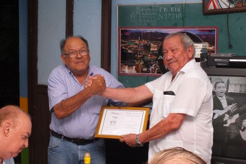 Entrega de reconocimiento a Ramón Ábrego Vázquez