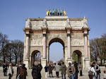 The little Arc at the edge of the Louvre grounds; it signals the beginning of the Tuileries gardens