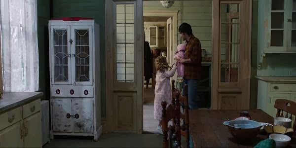 Screen Shot Of Hollywood Movie The Conjuring (2013) Download And Watch Online Free at Alldownloads4u.Com
