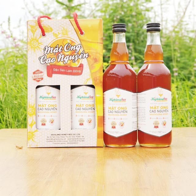 Mật ong hộp đôi quai xách 2 chai 500ml giá lẻ 260.000đ /cặp. Nếu mua 10 cặp có giá sỉ 180.000đ /cặp