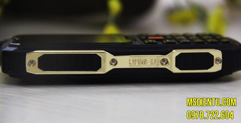 Xuất hiện dế khủng  4 sim 4 sóng Pin Trâu 8800mAh xuất hiện tại việt nam
