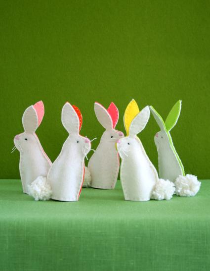 https://lh4.googleusercontent.com/-_FkowbOBPc0/TYpkg2Ve3LI/AAAAAAAABjg/u1QoWAXh-Fk/s1600/bunny-finger-puppets-2-425.jpg