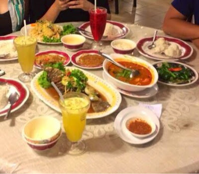 The various dishes we ordered at Pak Hussin Tomyam