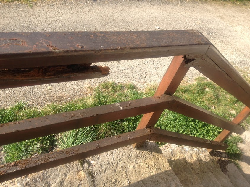 Restaurer ma balustrade bois decapage ou pon age for Le bois le plus dur