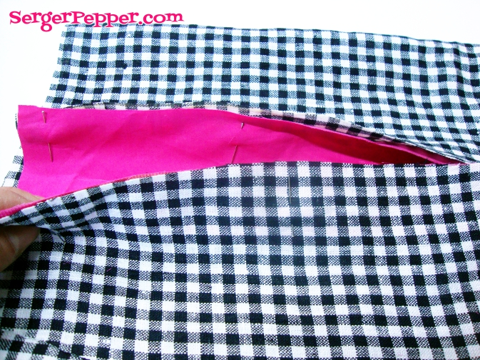 Serger Pepper - The Mary Skirt - FREE pattern - contrasting pleat