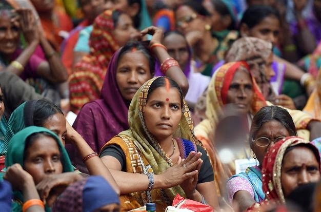 India: women die following mass sterilization surgery camp