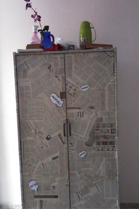 As Blogueiras Customizam - Talita - armário customizado com jornal