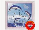 Tranh đính đá: Đồng hồ cá heo đính đá