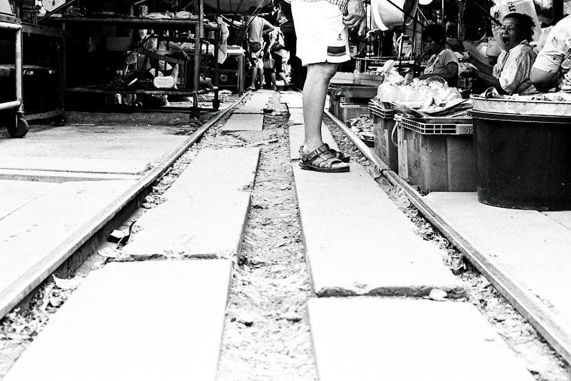 3738 037 闖蕩東南亞遊記(四):「媽媽」帶我遊鐵路、看水上市場