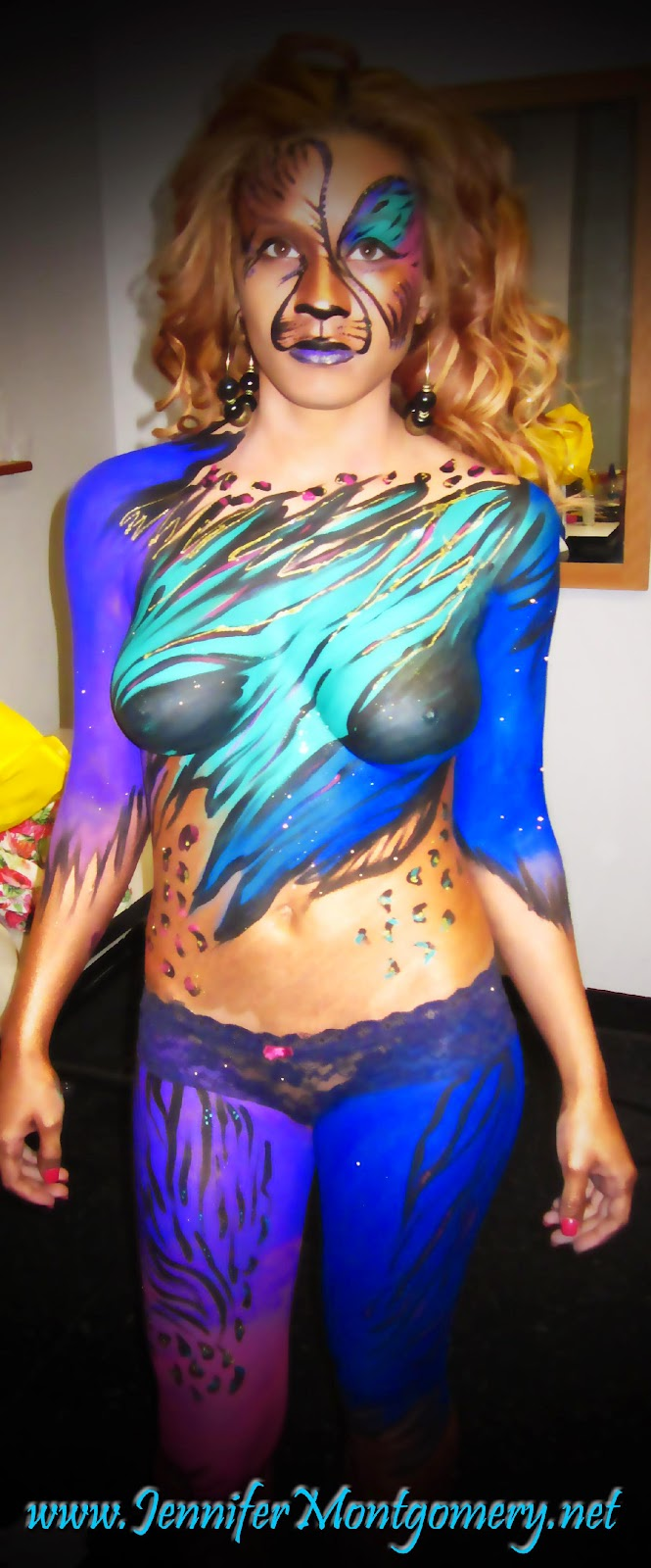 airbrush body painting body painting on girl MEMES Pictures