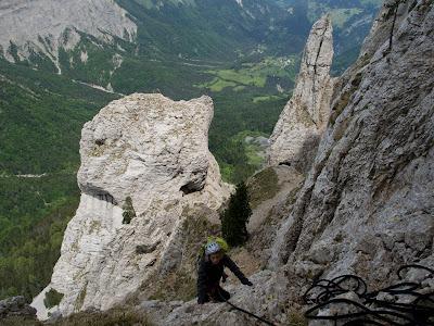 La Sílvia escalant el quart llarg