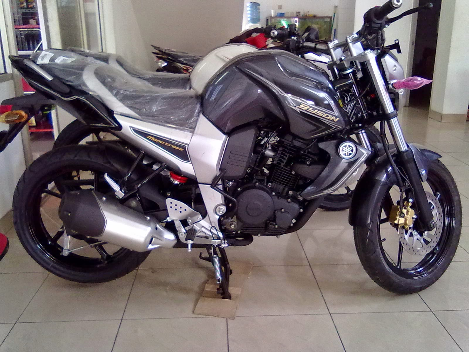 Modifikasi Supra X 125 Warna Hitam
