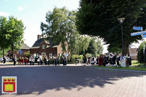 Koningschieten Sint Theobaldusgilde overloon 01-07-2012 (116).JPG