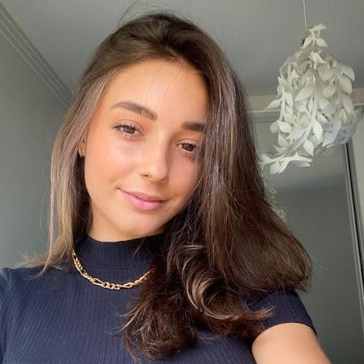 Carol Siqueira picture