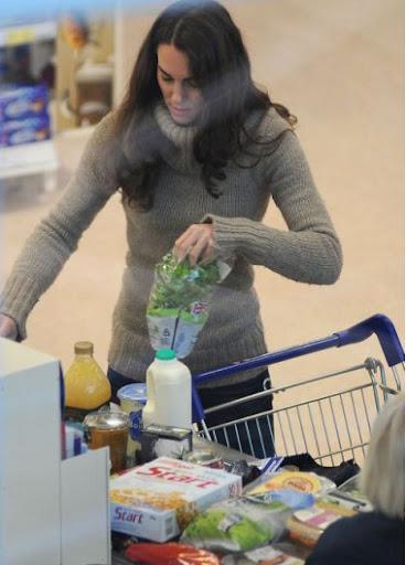 Герцогиня Кейт Миддлтон сходила за молоком