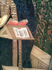 A la virgen la pilló el ángel leyendo.