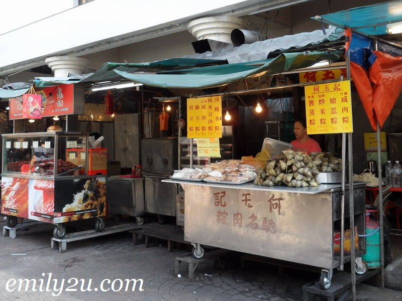 Chinatown roadside food stalls