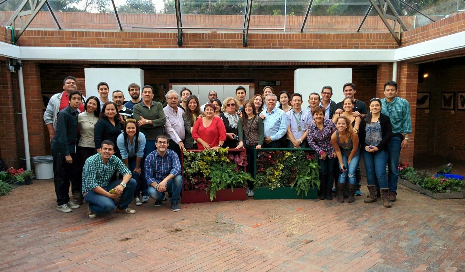 Jardines verticales y cubiertas vegetales en medell n for Jardines verticales barcelona
