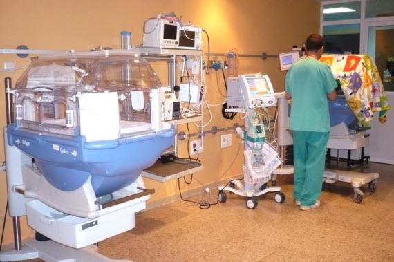 Casi 200 niños prematuros nacen al año en el Hospital Príncipe de Asturias