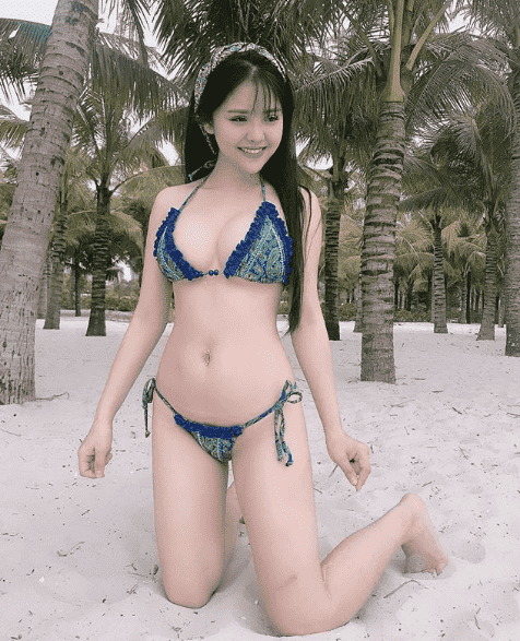 Hot-girl streamer sexy đốt mắt người xem bằng những đường cong cực kỳ nóng bỏng!