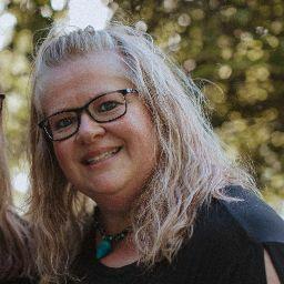 Michelle Adams Photo 43